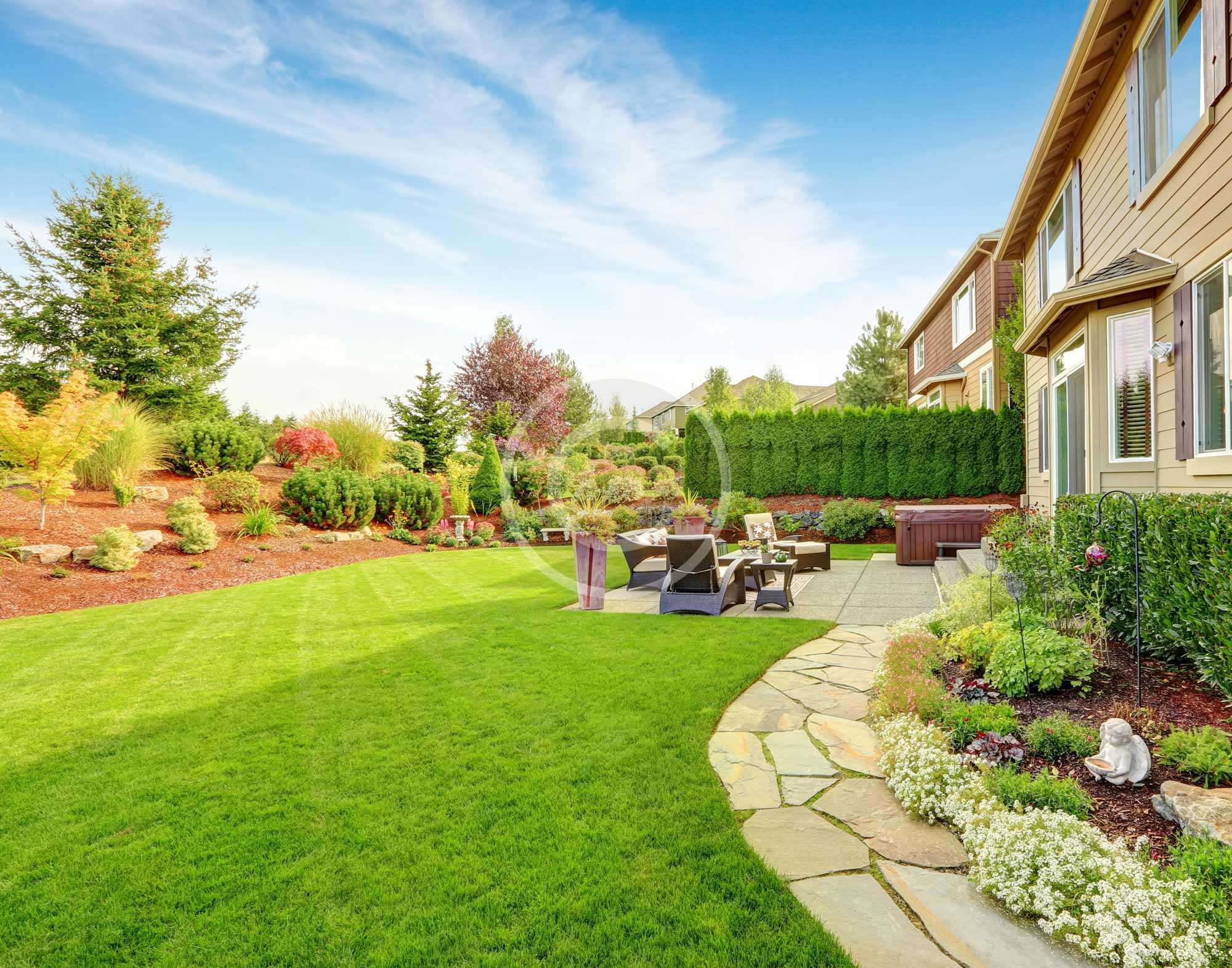 How to Furnish Your Backyard